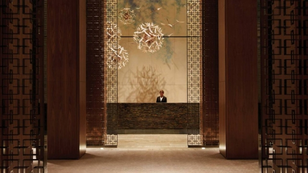 four-seasons-toronto-lobby